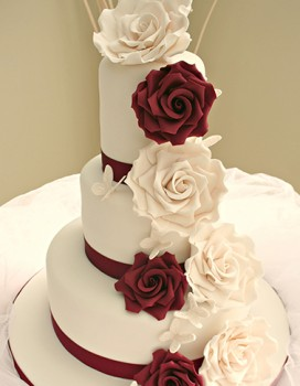 3 Tier Ivory And Burgundy Trailing Rose