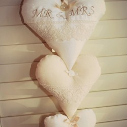 Mr & Mrs hanging hearts (set of 3)